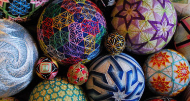 Шары тэмари — от handmade до высокого искусства