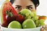 Полезные фрукты для кожи из богатой летней корзинки