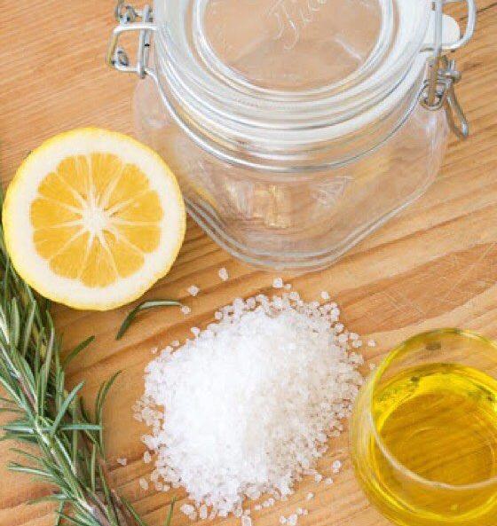 скраб из оливкового масла, лимона, соли