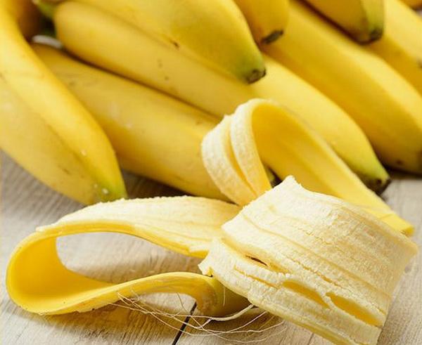 банан для увлажнения лица