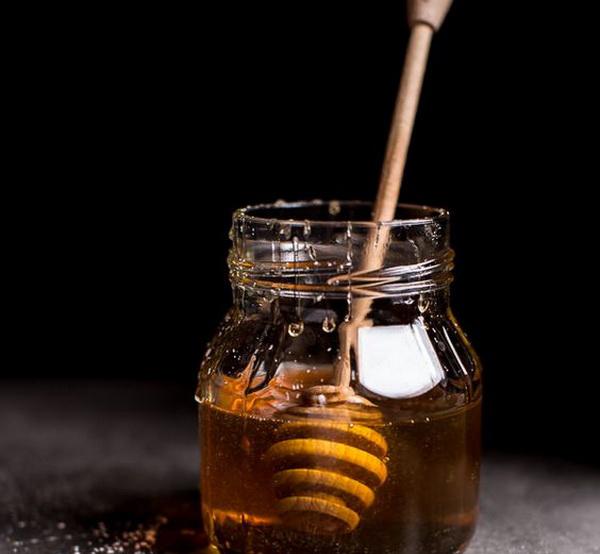 мед для увлажнения лица