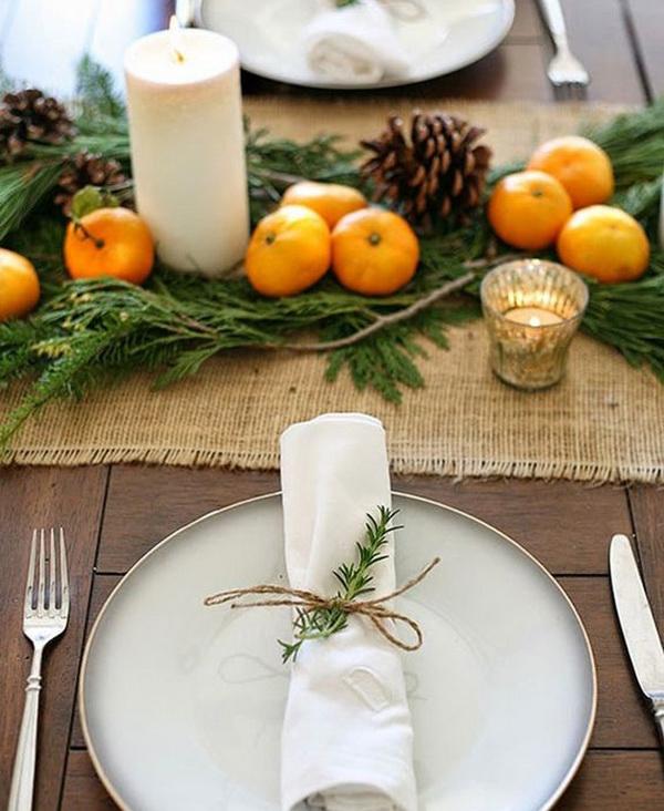Новогодний стол с мандаринами