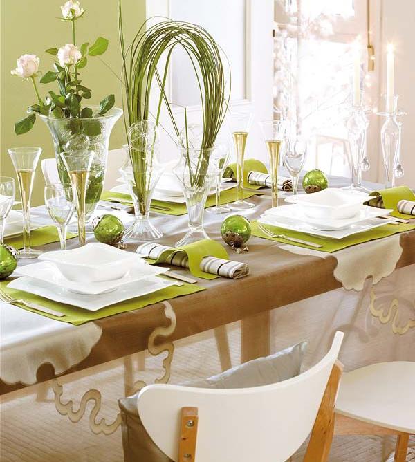 Новогодний стол в оливковом цвете